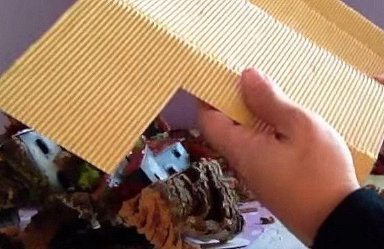 Casette di cartone per il presepe for Tegole del tetto della casetta