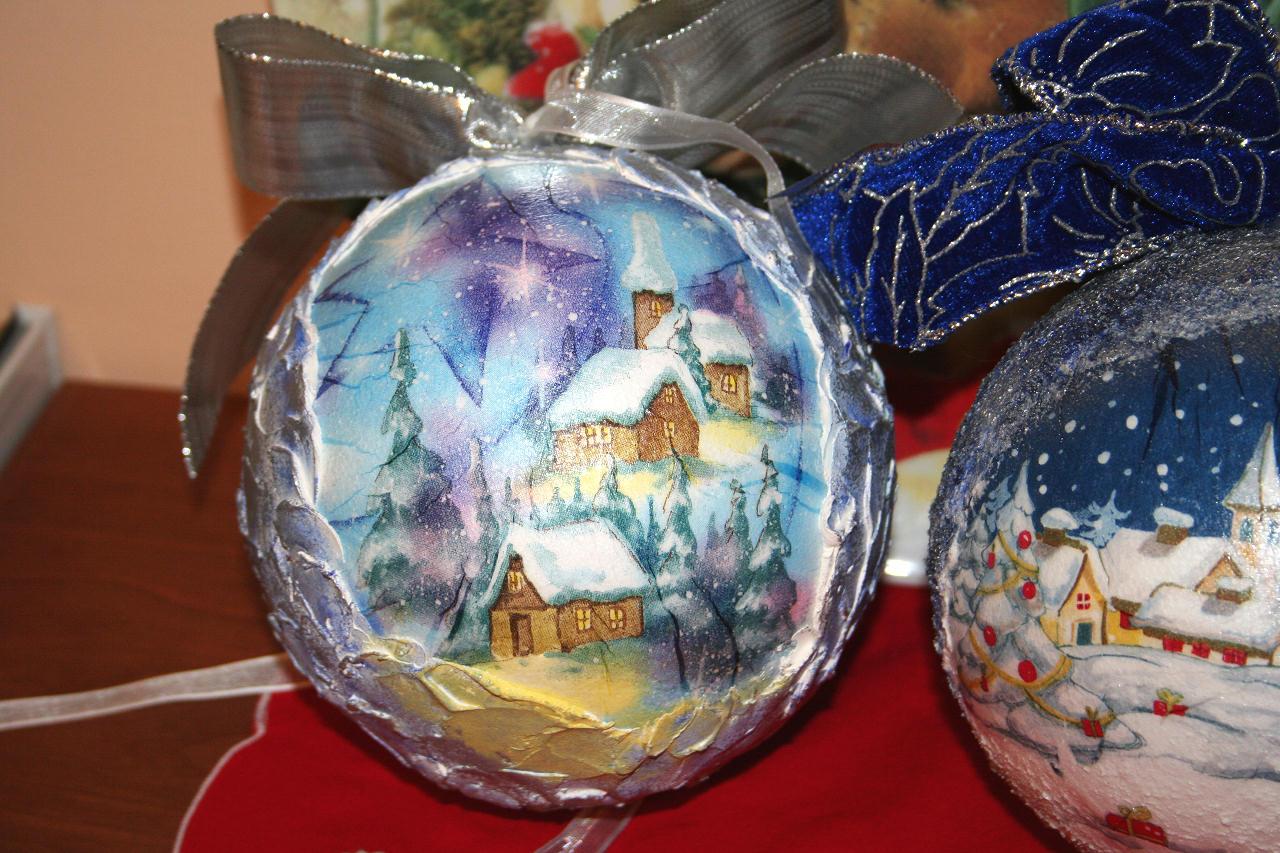 Immagini Sfere Natalizie.Sfere Di Natale Materiche Bricolageonline Net